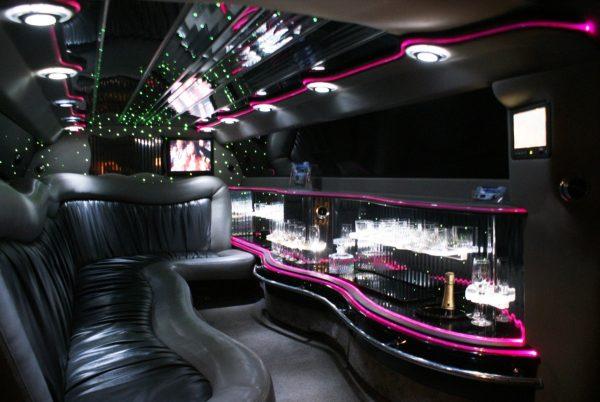 Interieur Chrysler limousine roze | Vallei Limousines