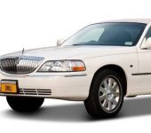 Lincoln towncar wit limousine