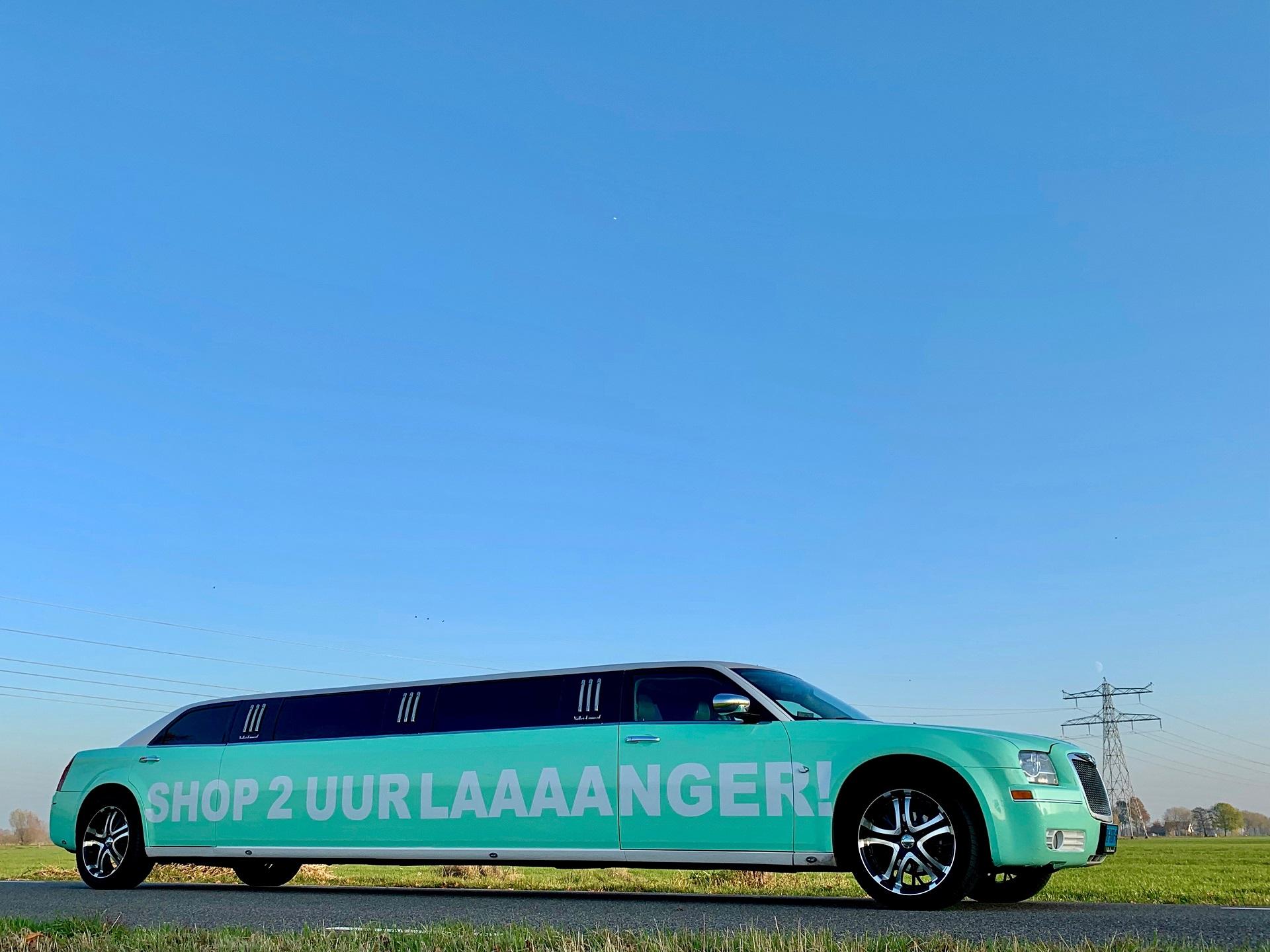 Limousine met reclame | Limousine huren | Gepersonaliseerd | Vallei Limousines