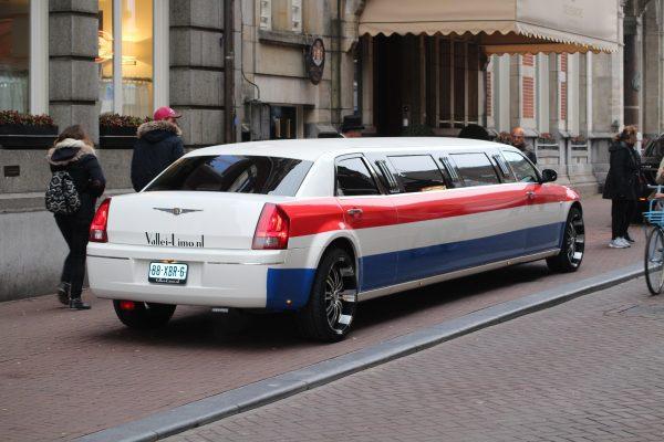 Vallei Limousines | De Toppers | Limousine huren